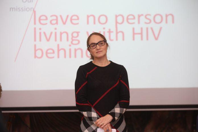 ХИВ-позитивен